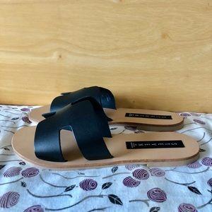 a9580e571394 Hermes Shoes - Steve Madden Greece sandal